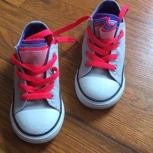 NEW Converse Girls Sneaker- 9c
